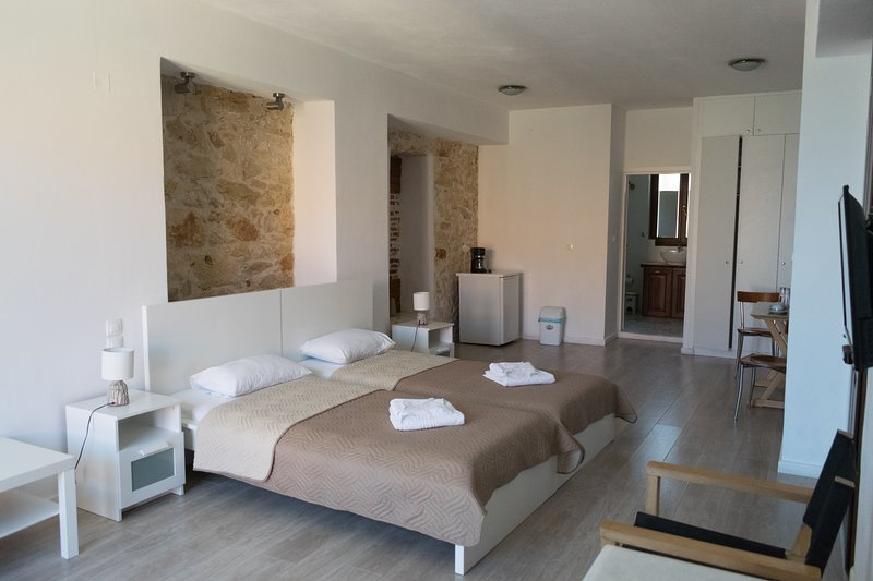 SUPERIOR DOUBLE ROOM, holiday rental in Panorama