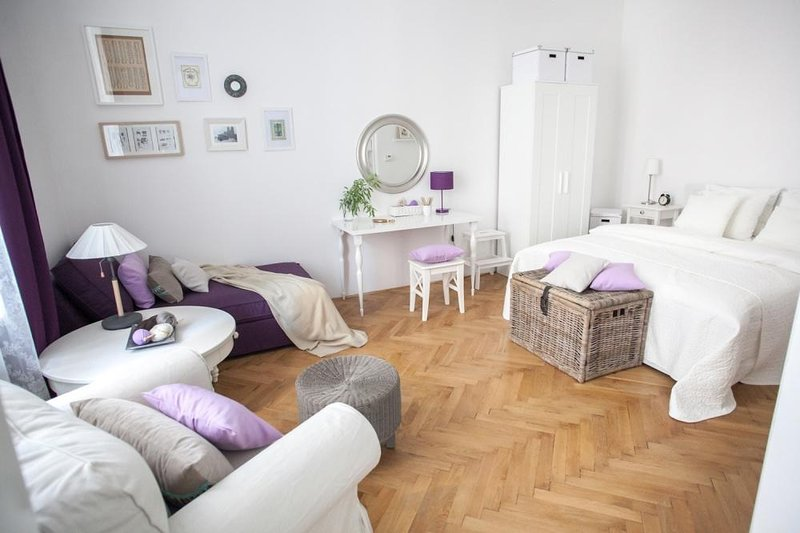 Old Town Romantic Apartment, holiday rental in Prague