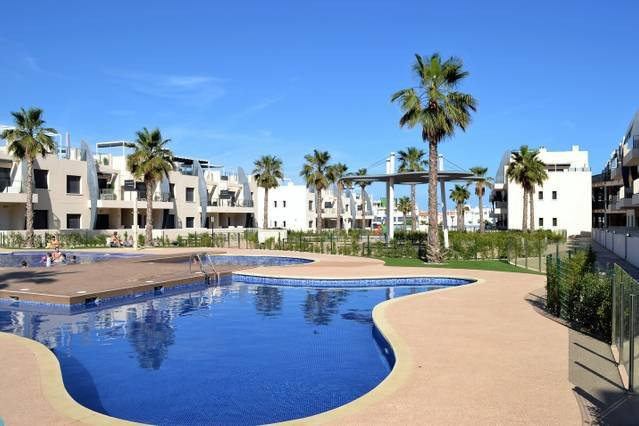 Playa Elisa Bay - Detached Villa with Pool, vacation rental in Mil Palmeras