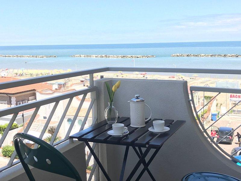 Casa Stefania Igea Marina Vista Mare - WiFi, vacation rental in San Mauro a Mare