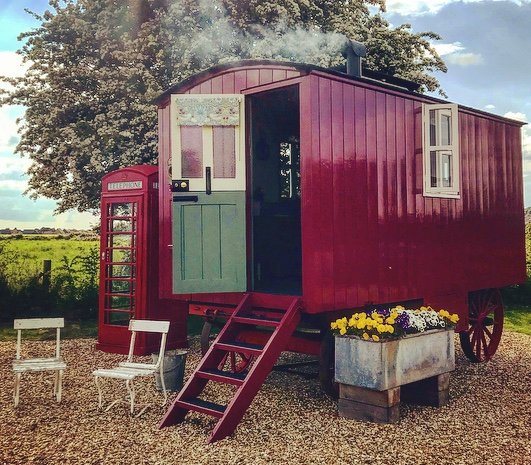 Horton Huts Vintage Glamping In The Heart Of Wiltshire, holiday rental in Erlestoke