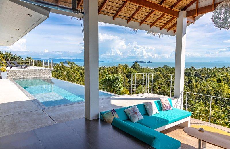 Shades of Blue - tropical chic sea view villa, location de vacances à Ko Phangan