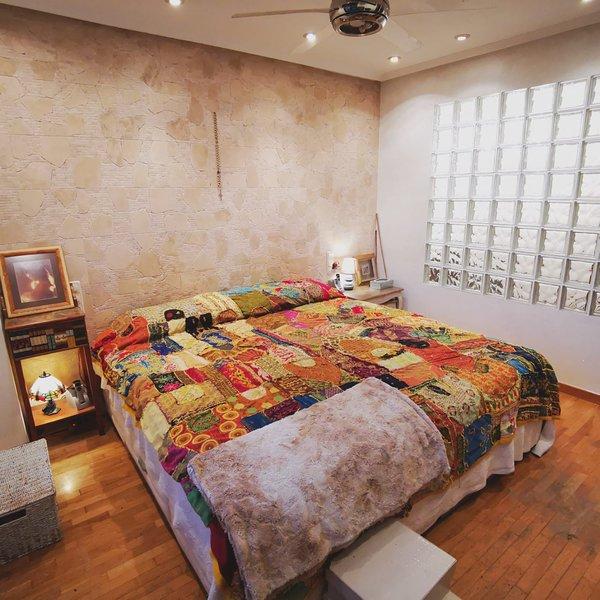 Se alquila habitación con WC en adosado en Asurias-Urbanizacion La Fresneda, location de vacances à Pola de Siero