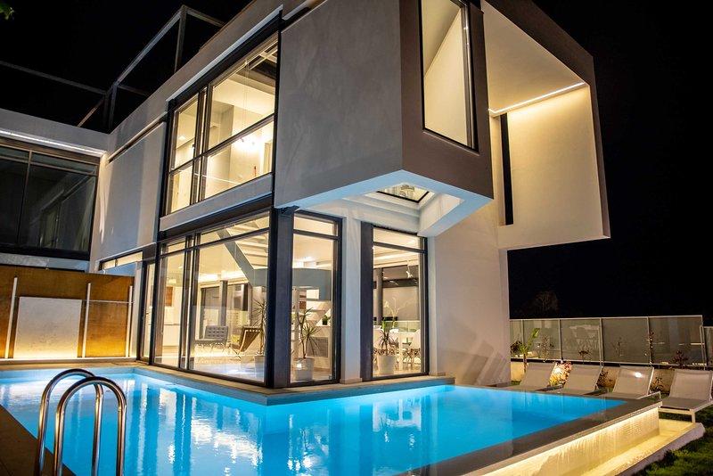 Luxury villa | private pool, close to the beach, vacation rental in Agii Apostoli