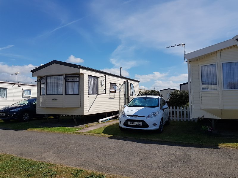 58 Brightholme Holiday Park - 4 Berth Caravan to Rent - Brean, Ferienwohnung in Bleadon