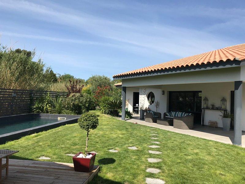 Amazing villa with swimming-pool, alquiler de vacaciones en Cabestany