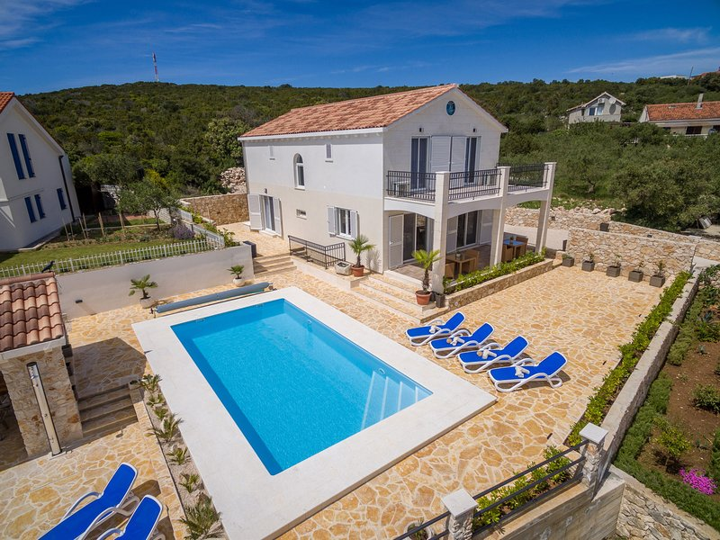 Lovely Villa Temida, on the Island Premuda, casa vacanza a Silba