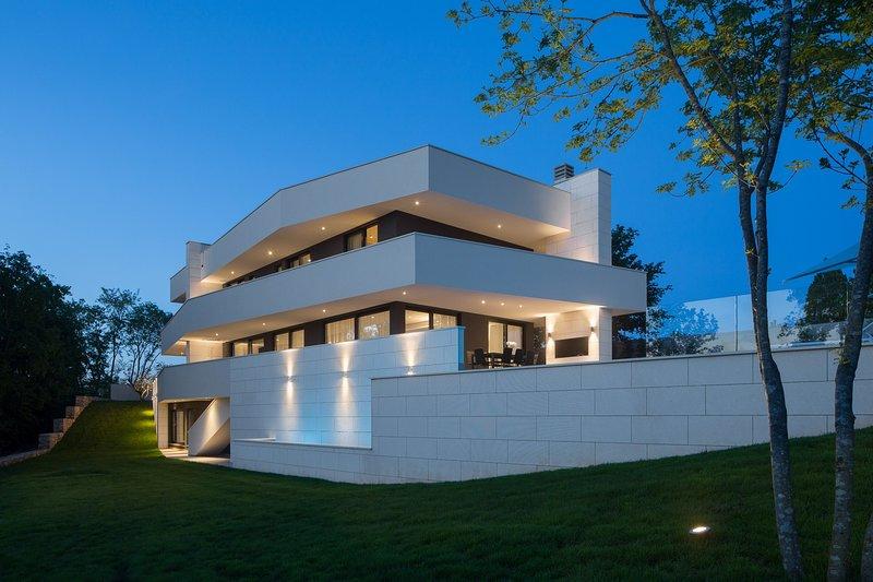 Modern Villa 55, in Istria, with a Pool, alquiler vacacional en Kircija