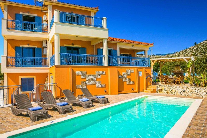 3 Bedroom Villa with Unique view, Pool & Barbecue in beautiful Karavados Village – semesterbostad i Karavados