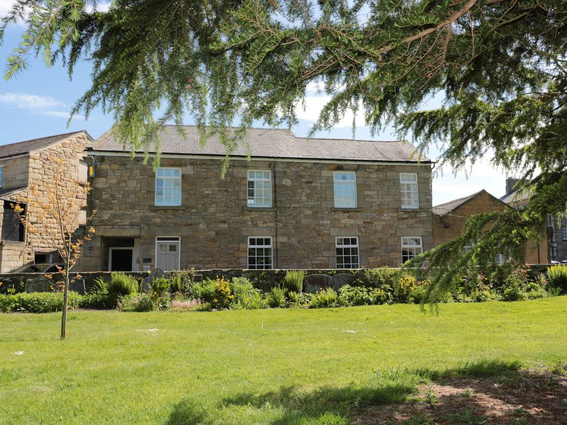 ST. LAWRENCE REST, close to amenities, all ground floor, WiFi, Warkworth, Ref, holiday rental in Guyzance