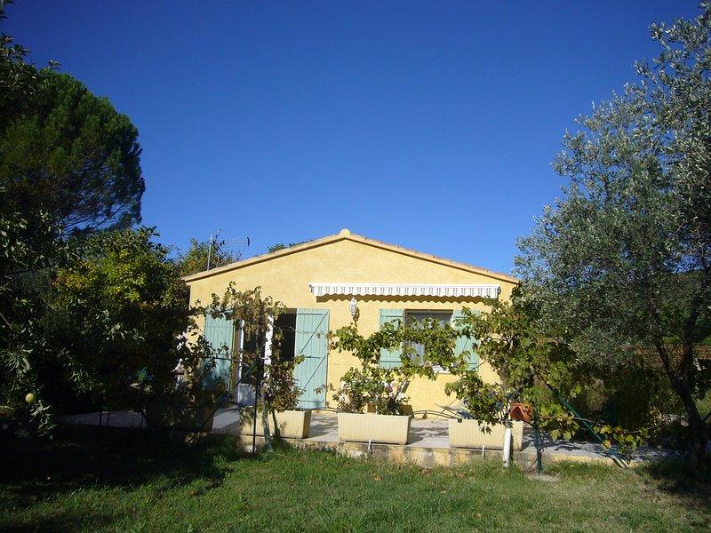 Lou Couloumbié  Gîte Provençal classé 3***, location de vacances à Sillans-la-Cascade