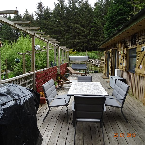 Baarool Bwaane a comfortable self contained cabin in a quiet forest setting, vacation rental in Onchan