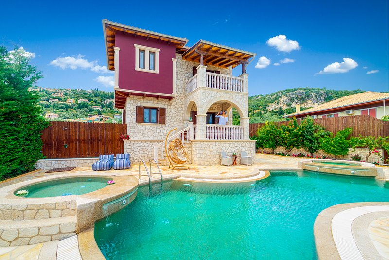 Fairytale Villa, in the heart of Lefkas town and Agios Ioannis beach!, holiday rental in Lefkada Town