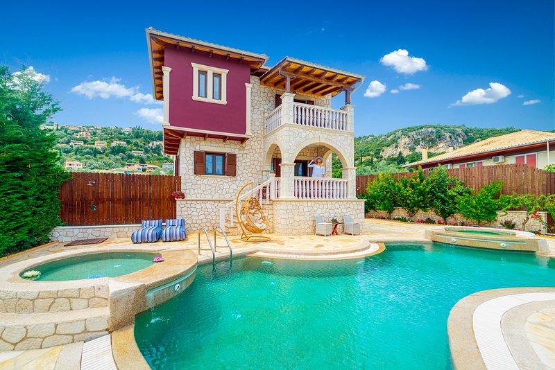 Fairytale Villa, in the heart of Lefkas town and Agios Ioannis beach!, aluguéis de temporada em Lefkada Town