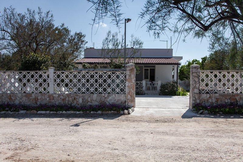 Villetta vacanze spiaggia di Punta Prosciutto m240, Ferienwohnung in Torre Colimena