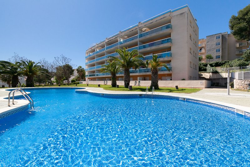 BELLAVISTA 067: Lovely apartment for 4 persons, situated in Cap Salou !, holiday rental in Tarragona