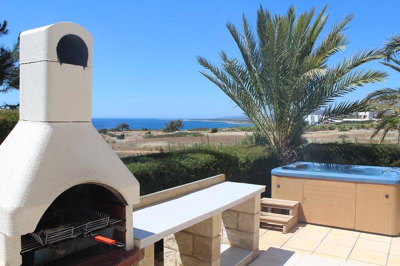 Akamas Lookout - Panoramic Sea View Villa - 8m Private Pool, Tranquil Setting, alquiler vacacional en Lara