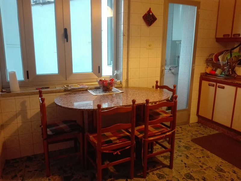 Single Room 'Outariz' /WI FI/central position, vacation rental in Arnoia