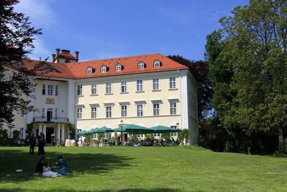 Not far from the apartment you can visit the castle Lübbenau.