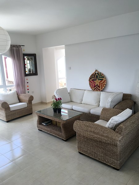 Spacious Duplex Penthouse Apartment Great Views To The Sea -2 large terraces!, vacation rental in Lefke