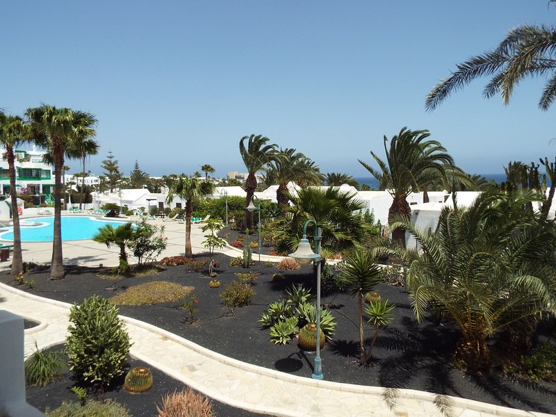Amanecer - A little diamond of a  Self Catering One Bedroomed Apartment!, vacation rental in Costa Teguise