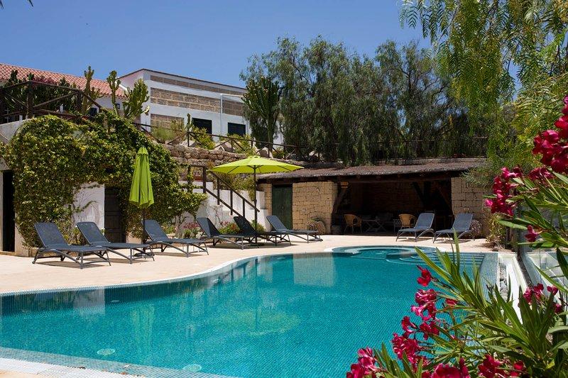LAGAR La Malvasia Rural accommodation, location de vacances à Los Gavilanes