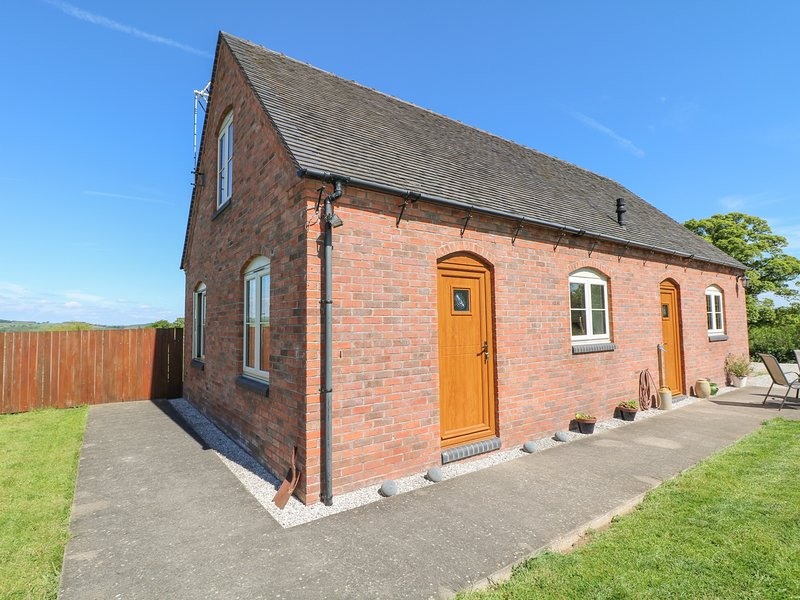 DEER CROFT COTTAGE, pet-friendly cottage with a garden in an isolated position, location de vacances à Hulland Ward