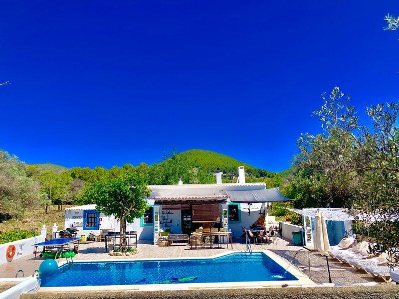 Magica casa payesa con piscina y sin vecinos, casa vacanza a Santa Eulalia del Río