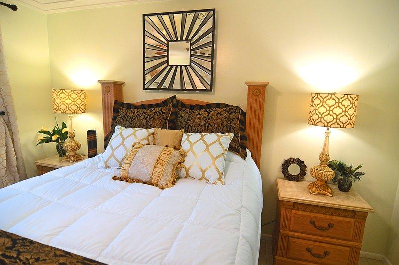 Always SeaSun, 2 bedrooms, Sleeps 6, Netflix, Patio Grill, Near Beaches, holiday rental in Tallevast