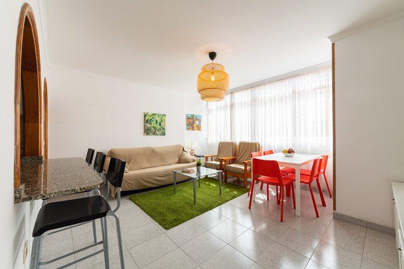 AL LADO DE LA PLAYA - 3 HAB. - P.30, holiday rental in Las Palmas de Gran Canaria