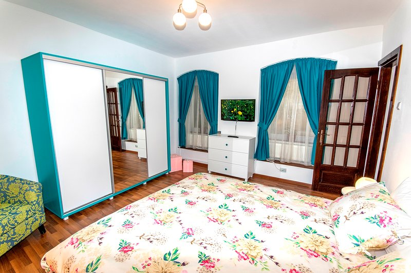 Accommodation in the historic center, casa vacanza a Timisul de Jos
