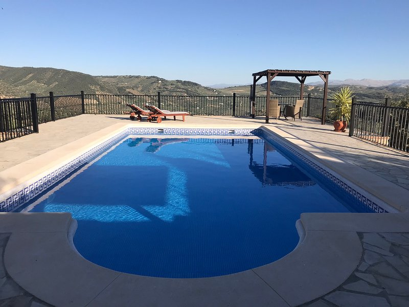 Idyllic Cottage with private pool, air conditioning and breathtaking views., holiday rental in Loja