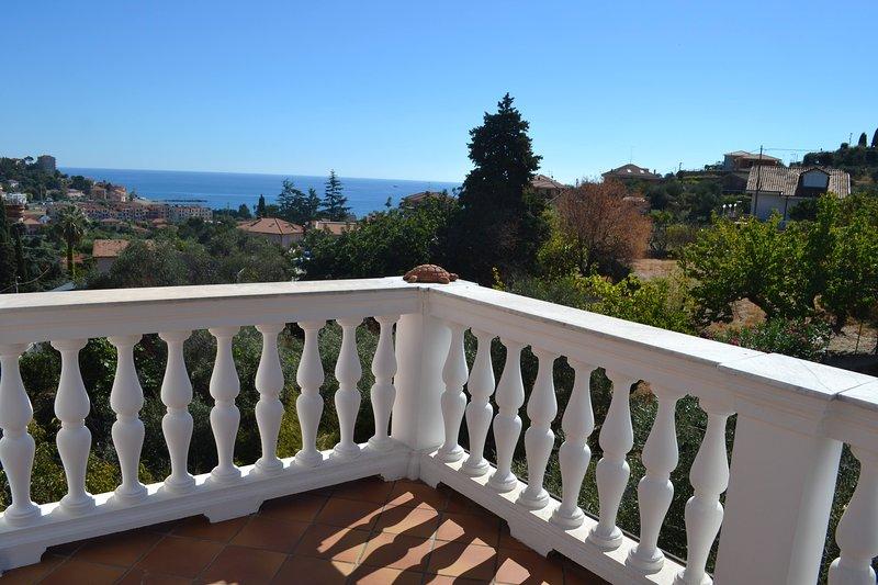Mansarda Con Bellissima Vista Sul Mare, holiday rental in Poggi