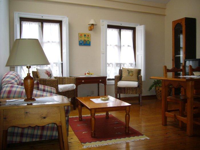 Apartamento ' ABLANU ' en el centro de Llanes, holiday rental in Puertas De Vidiago