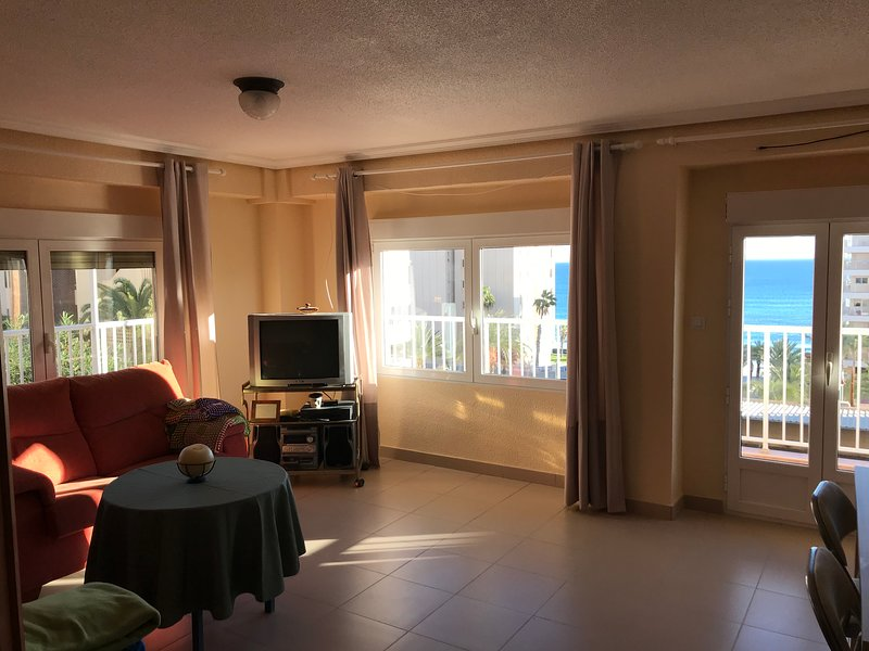 apartamento frente al mar, location de vacances à El Altet