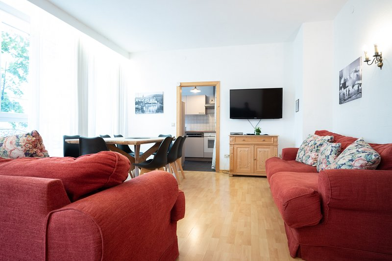 Living Eden - Deluxe Apartment, holiday rental in Thumersbach
