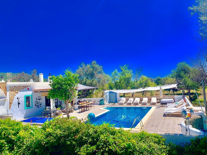 Magica casa payesa  con piscina sin vecinos WIFI Y MAR, holiday rental in San Juan Bautista