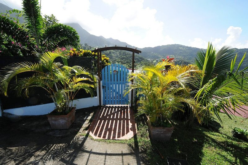 Beautiful property near the beach, holiday rental in Le Morne-Vert