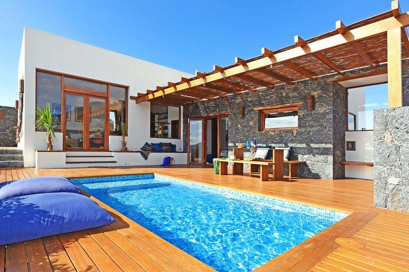 Villa San Luis, holiday rental in La Pared