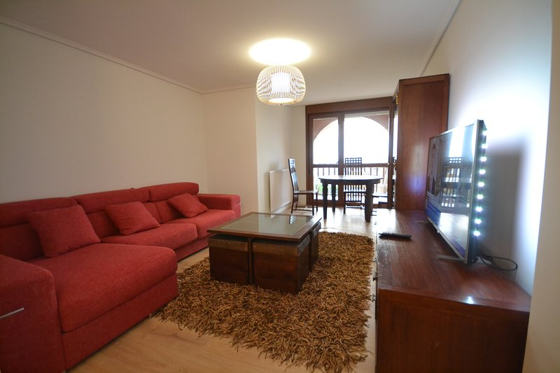 Altamira. TErrazas, nuevo y con parking, vacation rental in Santander