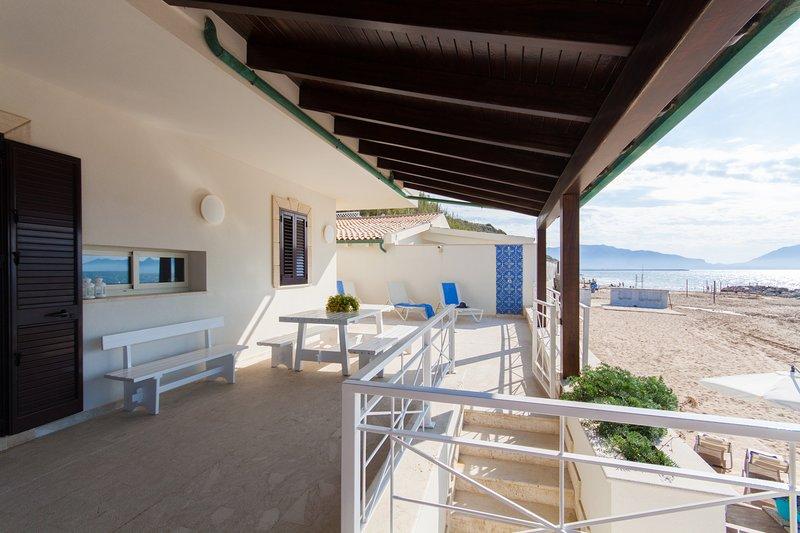 Villa sulla spiaggia, vacation rental in Trappeto