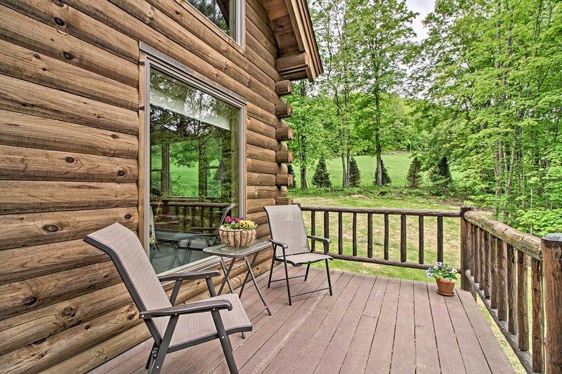 Questa accogliente casa vacanze vanta 3 camere da letto, 2 bagni e sistemazioni per 6 persone.