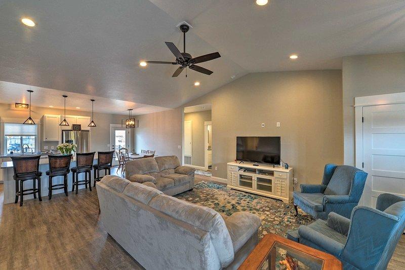 Cody Home 10 Min. from Buffalo Bill Center!, holiday rental in Powell