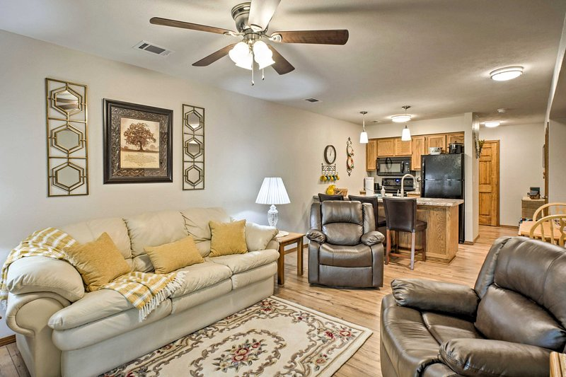 Branson Condo w/Resort Amenities - No Stairs!, holiday rental in Indian Point