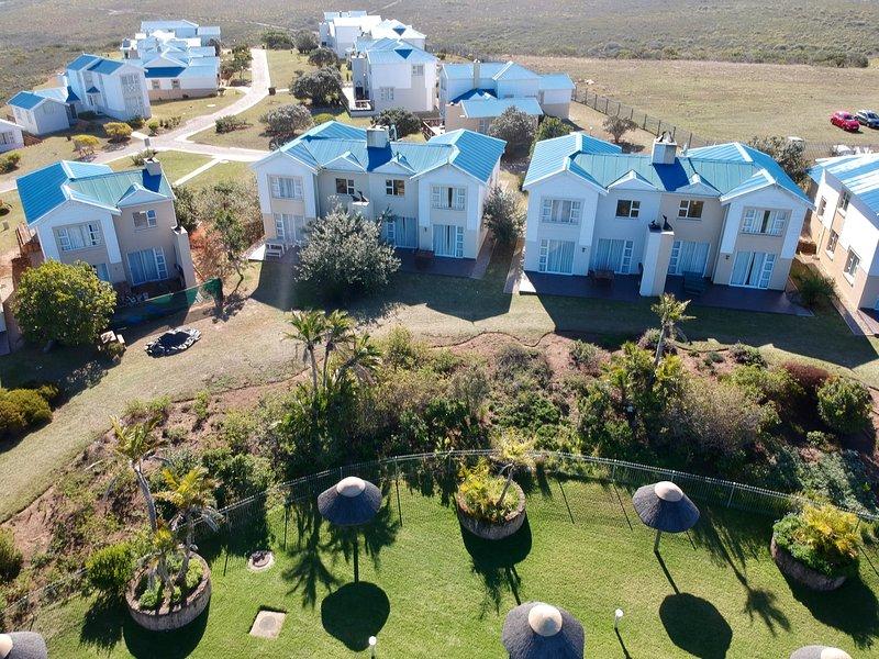 Lodge 107 Pinnacle point golf estate, holiday rental in Dana Bay