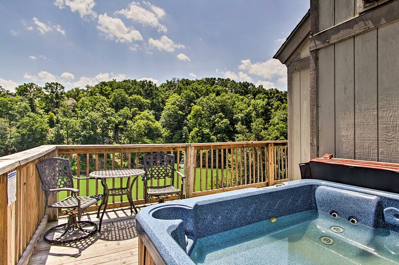 Family-friendly fun awaits in this lakefront Sevierville cabin!