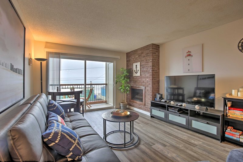 'Seas The Day' Lincoln City Condo Steps from Beach, vacation rental in Neotsu