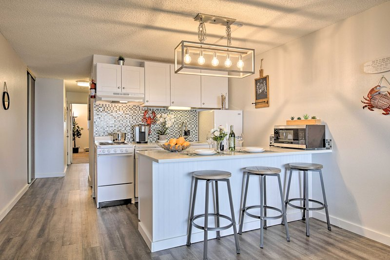 L'appartamento con 1 camera da letto e 2 bagni è stato rinnovato per offrire un arredamento moderno.