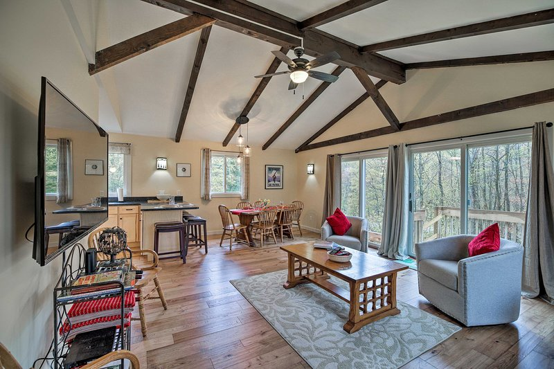 Cambridge House, 4 Miles to Smugglers' Notch, holiday rental in Jeffersonville