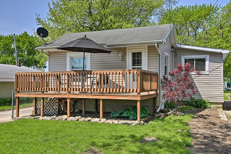 Home w/ Lake-View Deck by Camp Perry & Magee Marsh, vacation rental in Lacarne